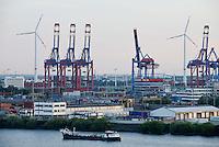 GERMANY Hamburg, Nordex wind turbine at Container terminal  / DEUTSCHLAND Hamburg, Nordex Windkraftanlage von Hamburg Wasser auf dem Klaerwerk Dradenau, davor Container Terminal Eurogate
