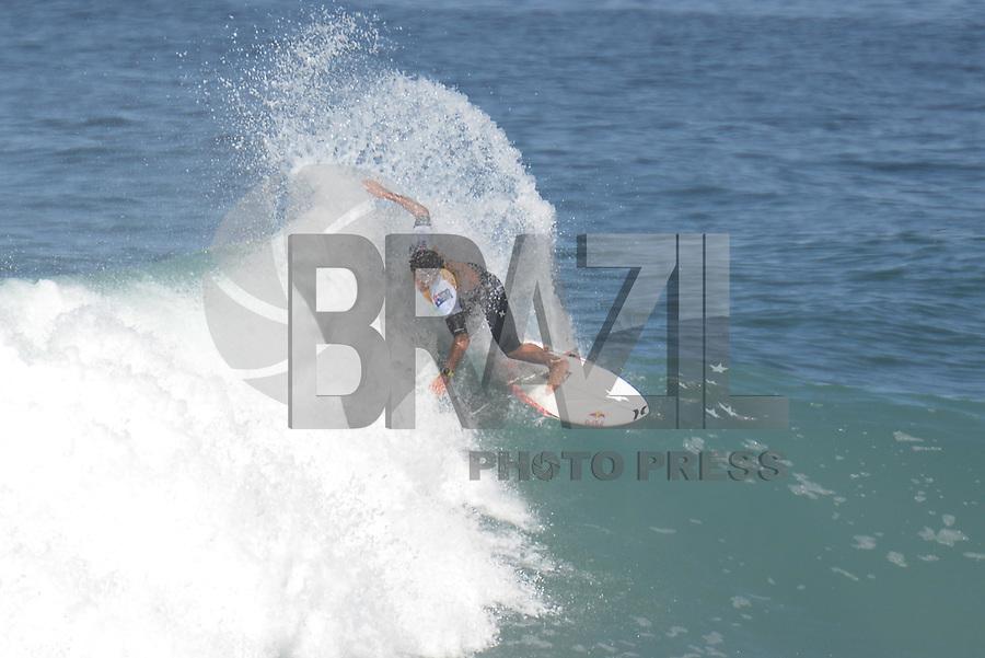SAQUAREMA, RJ, 16.05.2018 - WSL-RJ - Julian Wilson, no Oi Rio Pro etapa da WSL na Praia de Itaúna, Saquarema, Rio de Janeiro nesta quarta-feira, 16. (Foto: Clever Felix/Brazil Photo Press)