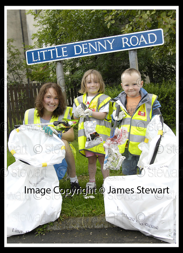 """25/07/2007       Copyright Pic: James Stewart.File Name : jspa01_denny.DENNY RESIDENTS """"BOLD"""" LITTER COLLECTING GROUP......James Stewart Photo Agency 19 Carronlea Drive, Falkirk. FK2 8DN      Vat Reg No. 607 6932 25.Office     : +44 (0)1324 570906     .Mobile   : +44 (0)7721 416997.Fax         : +44 (0)1324 570906.E-mail  :  jim@jspa.co.uk.If you require further information then contact Jim Stewart on any of the numbers above........."""