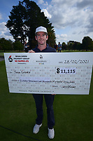 Runner-up and top pro Josh Geary with his $11,115 cheque. Day four of the Brian Green Property Group NZ Super 6s Manawatu at Manawatu Golf Club in Palmerston North, New Zealand on Sunday, 28 February 2021. Photo: Dave Lintott / lintottphoto.co.nz