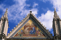 Europe/Italie/Ombrie/Orvieto : Détail des mosaïques de la façade de la cathédrale Duomo d'Orvieto (XIII° architecture gothico-romane)
