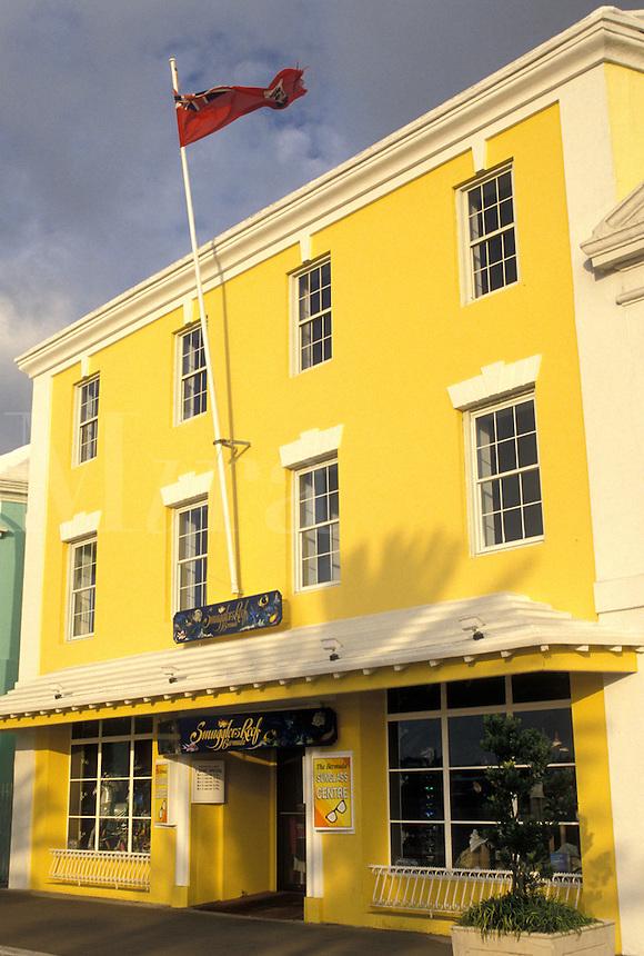 Bermuda, Hamilton, Gift shop along Front Street in the town of Hamilton in Bermuda.