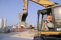 - industrial zone of Porto Marghera, construction site<br /> <br /> - zona industriale di Porto Marghera, cantiere edile