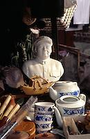 Verkauf von Mao-Büste, Peking, Vhina