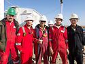 Iraq 2011 Workers on an oil field, Kurdistan<br /> Irak 2011 Ouvriers sur un champ de petrole au Kurdistan