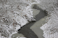 Bach im Winter mit Schnee und Eis, Bachlauf, Niederungsbach, Tieflandbach, creek in the winter with snow and ice, stream, creek valley, lowland stream, rivulet