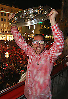 10.05.2014, Marienplatz, Muenchen, GER, 1. FBL, FC Bayern Muenchen Meisterfeier, im Bild Franck Ribery of Bayern Muenchen celebrates winning the German championship title Franck Ribery, // during official Championsparty of Bayern Munich at the Marienplatz in Muenchen, Germany on 2014/05/11. EXPA Pictures © 2014, PhotoCredit: EXPA/ Eibner-Pressefoto/ EIBNER<br /> <br /> *****ATTENTION - OUT of GER***** <br /> Football Calcio 2013/2014<br /> Bundesliga 2013/2014 Bayern Campione Festeggiamenti <br /> Foto Expa / Insidefoto