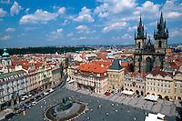 Altstädter Ring (Staromestske Namesti), Blick vom Altstaedter Rathaus, Prag, Tschechien, Unesco-Weltkulturerbe..