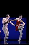TROISIEME SYMPHONIE DE GUSTAV MAHLER....Choregraphie : NEUMEIER John..Decor : NEUMEIER John..Lumiere : NEUMEIER John..Avec :..LE RICHE Nicolas..BELLET Aurelia..Lieu : Opera Bastille..Ville : Paris..Le : 11 03 2009..© Laurent PAILLIER / photosdedanse.com