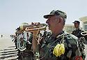 Irak 2002.Camp militaire d'Erbil: entrainement et parade.Iraq 2002.Military camp: Training and parade