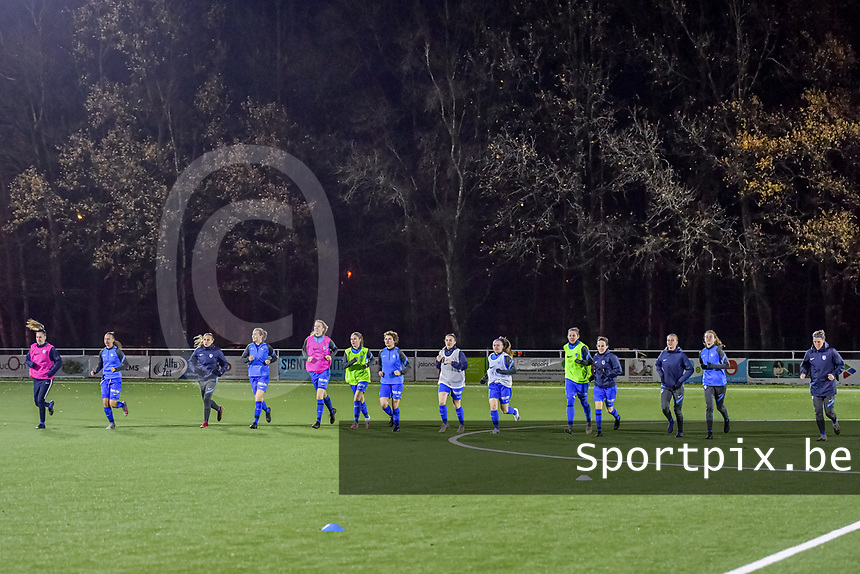 Warming up KRC Genk pictured before a female soccer game between  Racing Genk Ladies and Club Brugge YLA on the 10 th matchday of the 2020 - 2021 season of Belgian Scooore Womens Super League , friday 18 th of December 2020  in Genk , Belgium . PHOTO SPORTPIX.BE   SPP   STIJN AUDOOREN