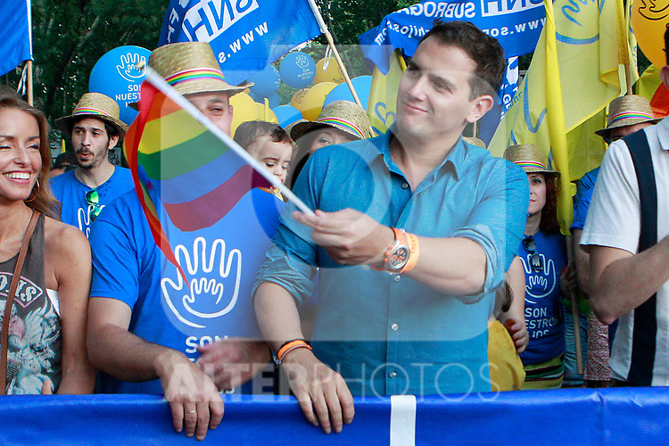 President of Ciudadanos Albert Rivera with the Association of Families for Surrogate Gestation during the demonstration of World Pride Madrid 2017. July 1, 2017. (ALTERPHOTOS/Acero)