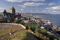 AJ2944, Quebec City, Quebec, Canada, Scenic view of Chateau Frontenac, Terrace Dufferin, and the Saint Lawrence River (Fleuve Saint-Laurent) in Old Quebec City in the Province of Quebec, Canada.