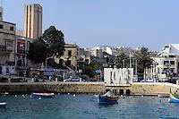 An der Spinola Bay in St. Julian's, Malta, Europa