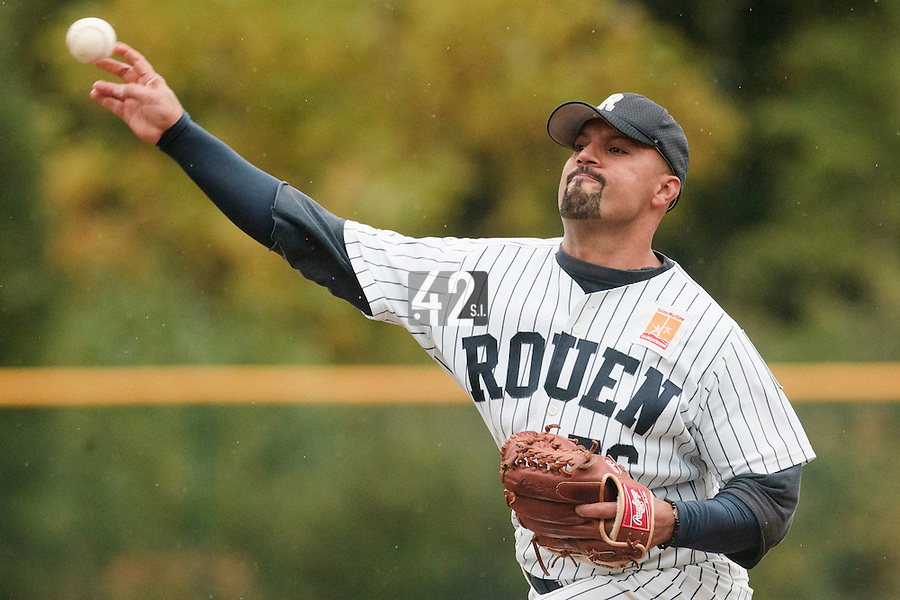 23 October 2010: Keino Perez of Rouen pitches against Savigny during Savigny 8-7 win (in 12 innings) over Rouen, during game 3 of the French championship finals, in Rouen, France.