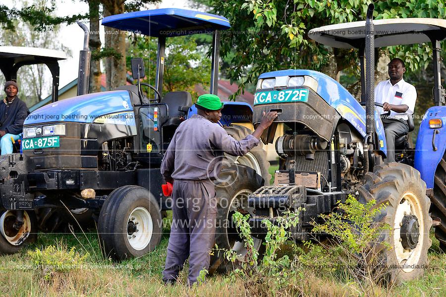 KENYA, County Kakamega, Bukura, ATDC Agricultural Technology Development Center, New Holland tractor / KENIA, ATDC landwirtschaftliches Ausbildung Institut, Traktoren