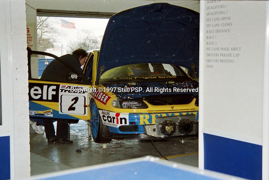 1997 Pre-season test day. #2 Alain Menu (SUI). Williams Renault Dealer Racing. Renault Laguna.