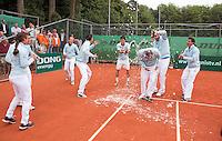 05-06-11, Tennis, Den Haag, Playoffs Eredevisie05-06-11, Tennis, Den Haag, Play-offs  Eredivisie Het team van Leimomias viert feest na het behalen van de landstitel
