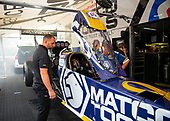 Antron Brown, Matco Tools, top fuel, crew, pits