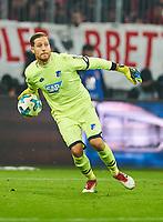 Oliver BAUMANN, goalkeeper Hoff 1 Abwurf<br /> FC BAYERN MUENCHEN - TSG 1899 HOFFENHEIM  5-2<br /> Football 1. Bundesliga , Muenchen,27.01.2018, 20. match day,  2017/2018, <br />  *** Local Caption *** © pixathlon<br /> Contact: +49-40-22 63 02 60 , info@pixathlon.de<br /> Contact: +49-40-22 63 02 60 , info@pixathlon.de