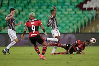 Rio de Janeiro (RJ), 15/05/2021 - FLUMINENSE-FLAMENGO - Gerson (d), do Flamengo. Partida entre Fluminense e Flamengo, válida pela final do Campeonato Carioca 2021, realizada no Estádio Jornalista Mário Filho (Maracanã), neste sábado (15).