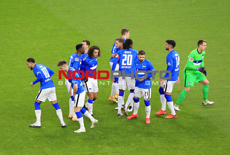 21.11.2020, OLympiastadion, Berlin, GER, DFL, 1.FBL, Hertha BSC VS. Borussia Dortmund, <br /> DFL  regulations prohibit any use of photographs as image sequences and/or quasi-video<br /> im Bild Hertha-Spielerkreis<br /> <br />       <br /> Foto © nordphoto / Engler