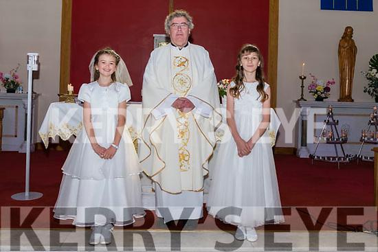 Wk38 Glenbeigh 2020 1st Communion<br /> Curraheen NS Pupils who received their 1st Communion from Fr. Kieran O'Sullivan<br /> L-R Dawn Griffin, Fr. Kieran O'Sullivan & Emma Strk