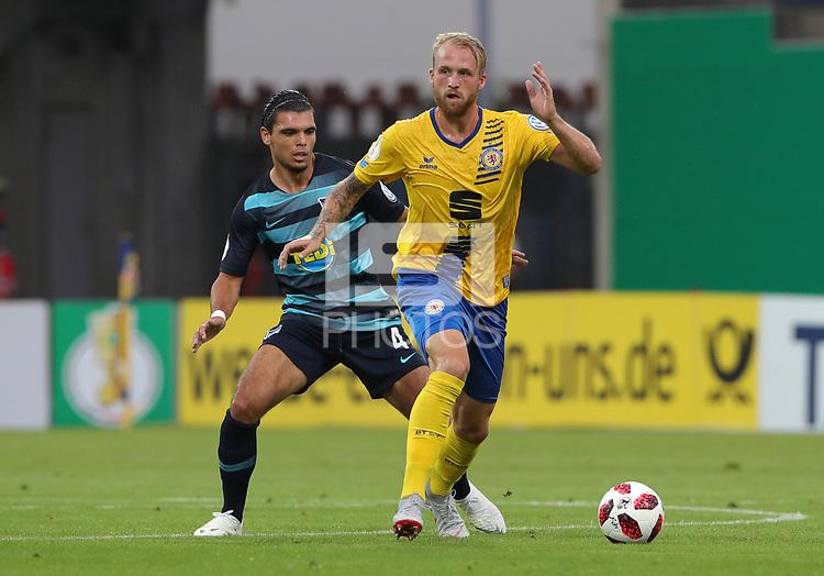 Karim Rekik, Philipp Hofmann /   /        /      <br /> / Sport / Football / DFB Pokal 1.round 3. Bundesliga Bundesliga /  2018/2019 / 20.08.2018 / BTSV Eintracht Braunschweig vs. Hertha BSC Berlin / DFL regulations prohibit any use of photographs as image sequences and/or quasi-video. /<br />       <br />    <br />  *** Local Caption *** © pixathlon<br /> Contact: +49-40-22 63 02 60 , info@pixathlon.de