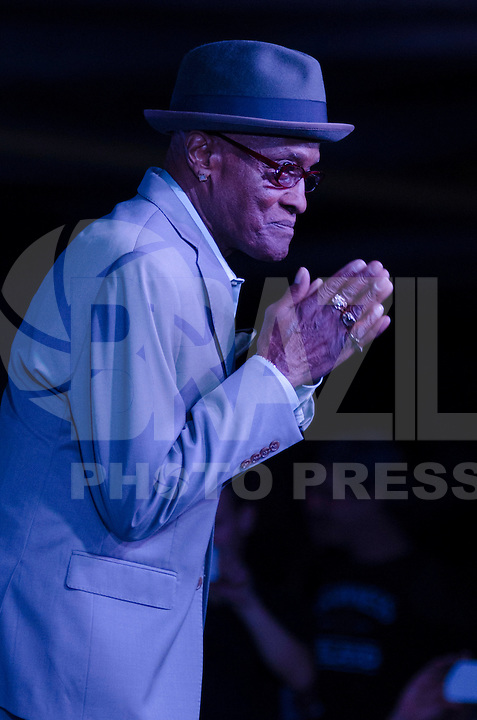 SÃO PAULO, SP, 16.08.2015 - SHOW BILLY PAUL: O cantor americano Billy Paul, 80 anos, durante apresentação no Soul Mates Festival, realizado na noite de ontem (15), no Paço das Artes da Universidade de São Paulo (USP), em São Paulo. (Foto: Levi Bianco/Brazil Photo Press)