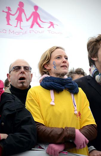 """FRANCE, Paris, 13.01.2013. Manifestation contre le mariage homosexuel..Entre 340000 et 800000 personnes ont défilé ce dimanche à Paris contre le mariage homosexuel. Trois cortèges officiels organisés par le collectif """"Manif pour tous"""" ont convervé vers le Champs de Mars.  Cortège parti de la place d'Italie dans lequel se trouvaient les élus UMP..© Bruno Cogez.FRANCE, Paris, 2013.01.13. Demonstration against gay marriage..Between 340,000 and 800,000 people marched Sunday in Paris against gay marriage. Three official processions organized by the group """"Protest all"""" converged on the Champs de Mars. .© Bruno Cogez"""