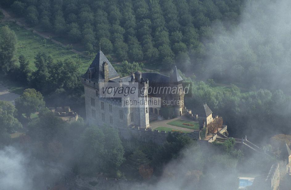 Europe/France/Aquitaine/24/Dordogne/Vallée de la Dordogne/Périgord/Périgord noir : Vue aérienne du château de Montfort