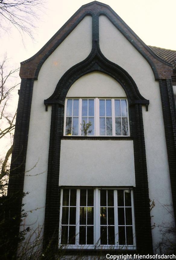 Peter Behrens: Behrens House, Darmstadt, 1901.