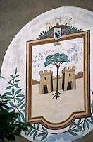 France/2B/Haute Corse/Nebbio/Saint-Florent: les armories de la ville sur le mur d'une maison