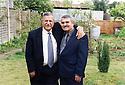 Great-Britain 2002 .<br /> Jalal Talabani and Azad Sagerma in the house of Kosrat Rassul.<br /> Grand-Bretagne 2005.<br /> Jalal Talabani et Azad Sagerma dans le jardin de la maison de Kosrat Rassul