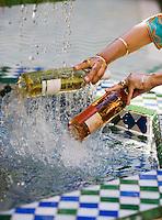 Afrique/Afrique du Nord/Maroc/Rabat: Hotel - Maison d'Hote Villa Mandarine les vins sont mis a rafraichir dans la fontaine du patio