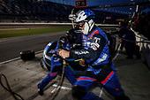 #57: Heinricher Racing w/MSR Curb-Agajanian Acura NSX GT3, GTD: Alvaro Parente, Misha Goikhberg, pit stop