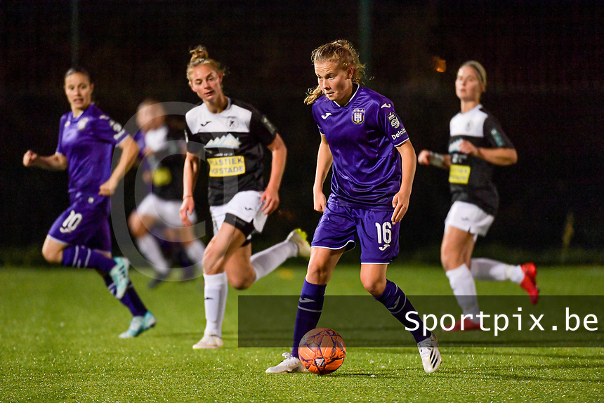 Anderlecht forward Jarne Teulings (16) with the ball during a female soccer game between RSC Anderlecht Dames and Eendracht Aalst Ladies  on the fourth matchday of the 2020 - 2021 season of Belgian Womens Super League , Tuesday 13 th of October 2020  in ANDERLECHT , Belgium . PHOTO SPORTPIX.BE | SPP | STIJN AUDOOREN