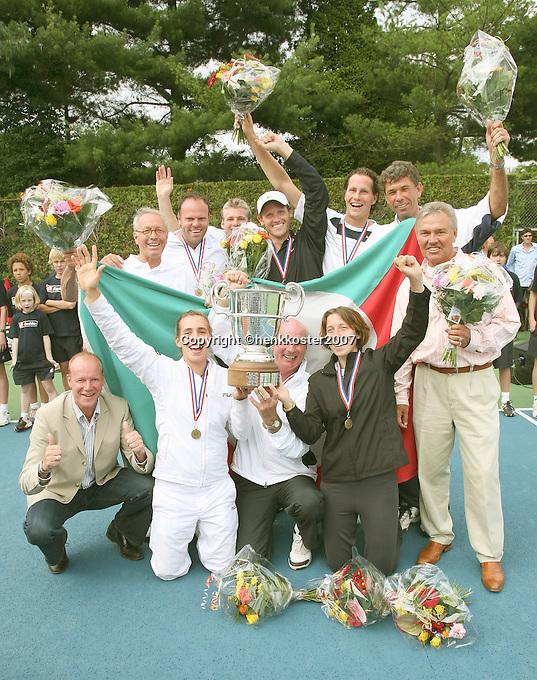 17-6-07, Groenekan, Playoffs Eredivisie Tennis, Team Popeye Goldstar uit Amsterdam is winnaar van de Tennis Competitie