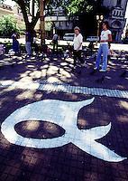 """Symbol for the """"Mujeres de Plaza de Mayo"""" (Mother from the Plaza de Mayo) on the pavement at the Plaza de Mayo in Buenos Aires.<br /> 21.10.2000, Buenos Aires<br /> Copyright: Christian-Ditsch.de<br /> [Inhaltsveraendernde Manipulation des Fotos nur nach ausdruecklicher Genehmigung des Fotografen. Vereinbarungen ueber Abtretung von Persoenlichkeitsrechten/Model Release der abgebildeten Person/Personen liegen nicht vor. NO MODEL RELEASE! Nur fuer Redaktionelle Zwecke. Don't publish without copyright Christian-Ditsch.de, Veroeffentlichung nur mit Fotografennennung, sowie gegen Honorar, MwSt. und Beleg. Konto: I N G - D i B a, IBAN DE58500105175400192269, BIC INGDDEFFXXX, Kontakt: post@christian-ditsch.de<br /> Urhebervermerk wird gemaess Paragraph 13 UHG verlangt.]"""