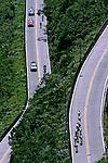 Estrada na Serra do Rio do Rastro. Santa Catarina. 2006. Foto de Caetano Barreira.