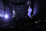 CASTOR ET POLLUX....Choregraphie : François Chaignaud et Cecilia Bengolea..Compagnie : ..Scenographie : Nadia Lauro..Lumiere : Eric Wurtz..Costumes : ..Avec :..François Chaignaud ..Cecilia Bengolea..Cadre : Festival Antipodes 2010..Lieu : Le Quartz..Ville : BREST..Le : 01 03 2010..© Laurent PAILLIER / photosdedanse.com..All rights reserved
