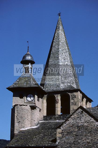 Europe/France/Auvergne/12/Aveyron/Estaing: Le clocher et le clocheton de l'église