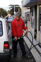 Sandro Biasini,benzinaio.Distributore di benzina.Petrol station..Roma,San Lorenzo,quartiere storico di Roma. San Lorenzo,historic district of Rome. ....