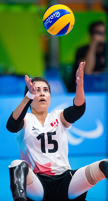 Felicia Voss-Shefiq, Rio 2016 - Sitting Volleyball // Volleyball assis.<br /> Canada competes against Ukraine in the Women's Sitting Volleyball Preliminary // Le Canada affronte l'Ukraine dans le tournoi préliminaire de volleyball assis féminin. 13/09/2016.