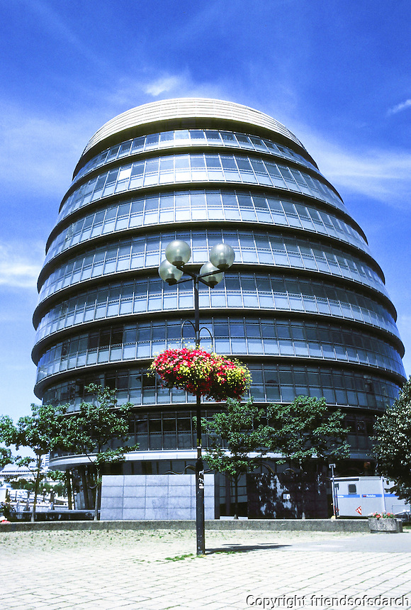 """Sir Norman Foster: London City Hall, viewed from south. It tilts to the south to  """"avoid solar gain"""". Photo '05."""
