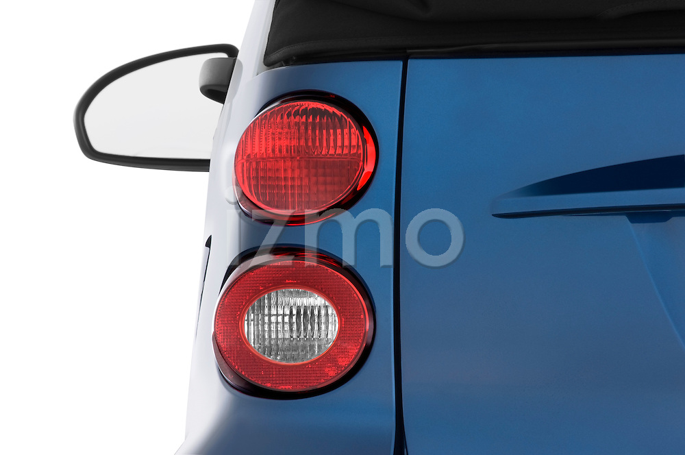 Tail light close up detail view of a 2009 SmartForTwo Cabriolet