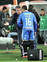 BOGOTA - COLOMBIA – 21-08-2014: Juan M Lillo, técnico de Millonarios de Colombia, da instrucciones a los jugadores durante partido de ida de la primera fase, llave G14 de la Copa Total Suramericana entre Millonarios de Colombia y Universidad Cesar Vallejo Club de Futbol de Peru, en el estadio Nemesio Camacho El Campin de la ciudad de Bogota. / Juan M Lillo, coach of Millonarios of Colombia, gives instructions to the playes during a match for the first leg, of the first phase, Key G14 between Millonarios de Colombia and Universidad Cesar Vallejo Club de Futbol of Peru of the Copa Total Suramericana in the Nemesio Camacho El campin Stadium in Bogota city. Photos: VizzorImage / Luis Ramirez / Staff.