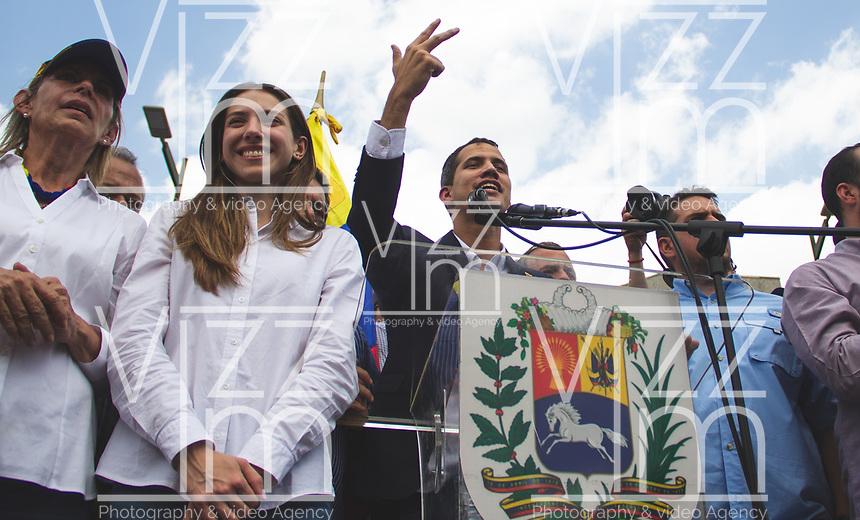 CARACAS - VENEZUELA, 04-03-2019:  Juan Guaidó, presidente interino de Venezuela, arribó a la nación a través del aeropuerto internacional de Maiquetía este 4 de marzo. En caravana se trasladó hasta la plaza Alfredo Sadel en Las Mercedes, donde cientos de manifestantes lo esperaban. Allí agradeció a su esposa por acompañarlo durante la travesía, y enfatizó que los militares no cumplieron la orden de detenerlo. Es una operación secreta Guaidó logró viajar de Panamá a Venezuela sin inconvenientes. / Juan Guaidó, interim president of Venezuela, arrived to the nation through the Maiquetia international airport on March 4. In caravan, he moved to Alfredo Sadel Square in Las Mercedes, Caracas, where hundreds of protesters were waiting for him. There he thanked his wife for accompanying him during the crossing, and emphasized that the military did not comply with the order to arrest him. It is a secret operation. Guaido travel from Panama to Venezuela without problems. Photo: VizzorImage / Carolain Caraballo / Cont