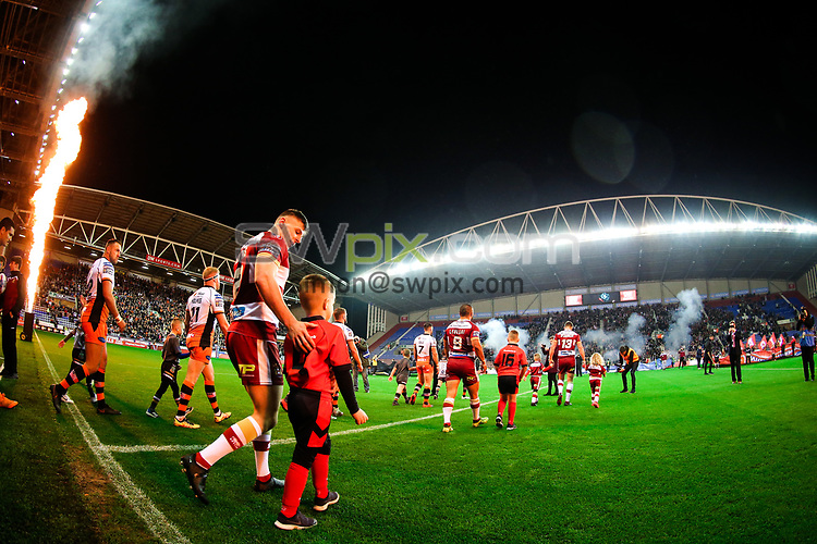 Picture by Alex Whitehead/SWpix.com - 05/10/2018 - Rugby League - Betfred Super League Semi-Final - Wigan Warriors v Castleford Tigers - DW Stadium, Wigan, England - Players walk out for kick off.