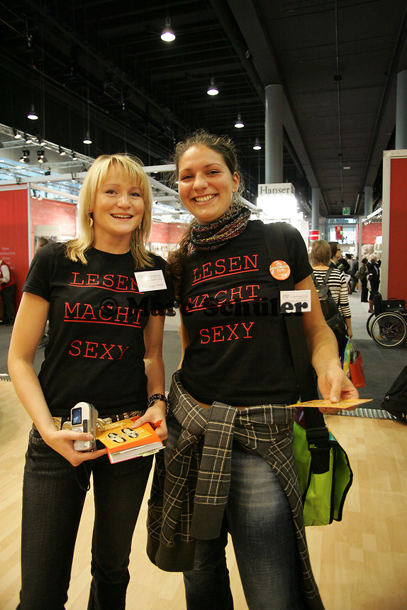 """Mädels der Gutenbergschule Leipzig sind überzeugt: """"Lesen macht Sexy"""""""